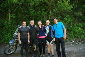 Orosz kerékpárosok gyűrűjében / With Russian bicyclists