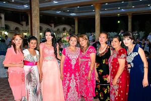 Lányok a lakodalomban /  Girls on the wedding party