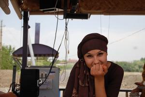 Büféskisasszaony / The girl in he roadside caffee