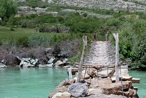 A hídon szerencsére nem kellett átmennem. Fortunatelly I did not need to cross that bridge.