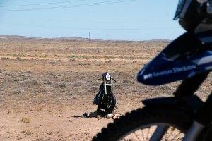 Leróttam kegyeletemet egy motoros társam amléke előtt, aki sajnos ma már az örök vadászmezőkön motorozik. Ami nem tetszett, hogy egy mai motoros (ismerem) úgy gondolta, hogy az emlékhely egyenlő a reklámhellyel, és a saját matricáját ragasztotta rá. / I stopped and remembered of a biker, who is riding his metal horses on the eternal hunting fields.