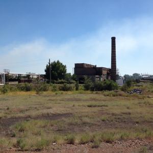 Imádom ezeket az öreg elhagyatott gyárépületeket. / I love these old abandon factories.