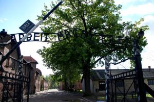 Auschwitz bejárata / The entrance to Auschwitz